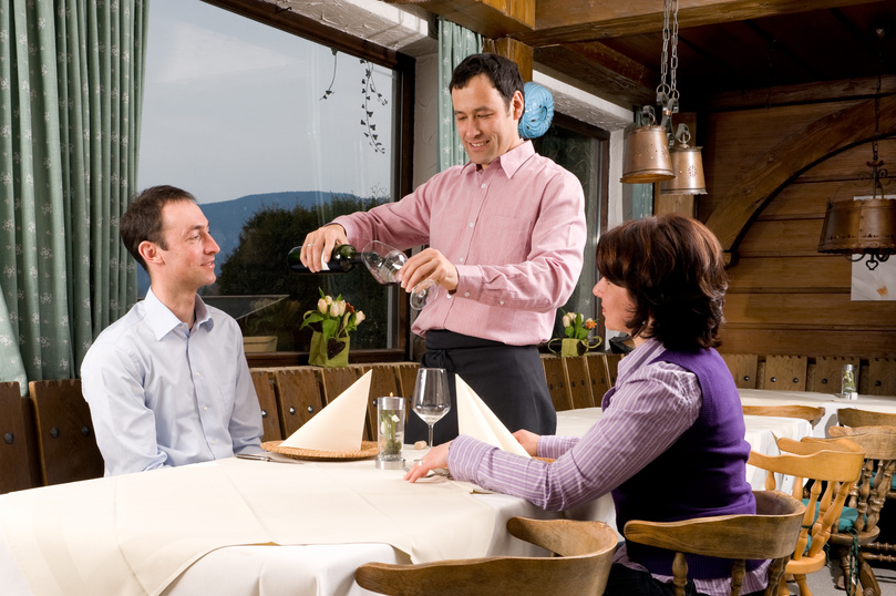 Where are you eating Dinner? The power of customer reviews will help you answer that.