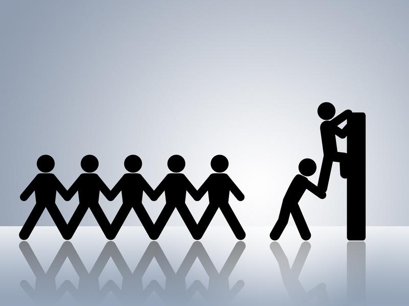 Marketing vs. Sales: Turning Antagonism into Alliance
