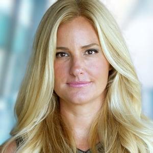 Jennifer Sprague Headshot